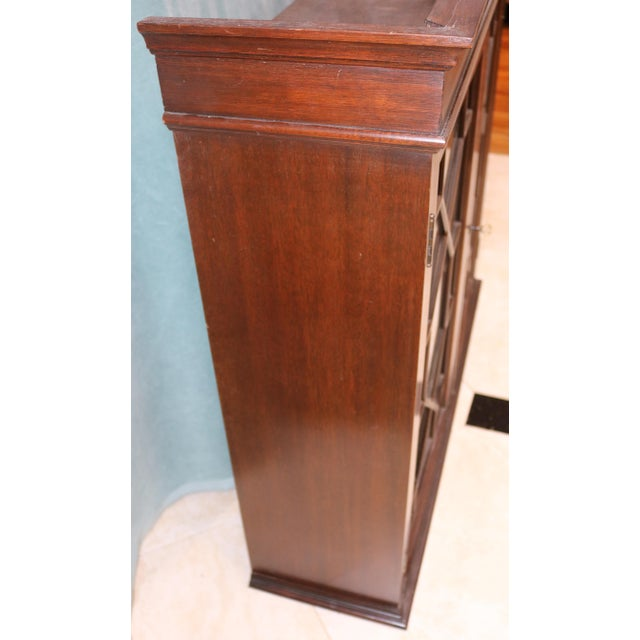 Mid 20th Century Mid-20th Century Traditional Mahogany Wall Curio Cabinet For Sale - Image 5 of 7