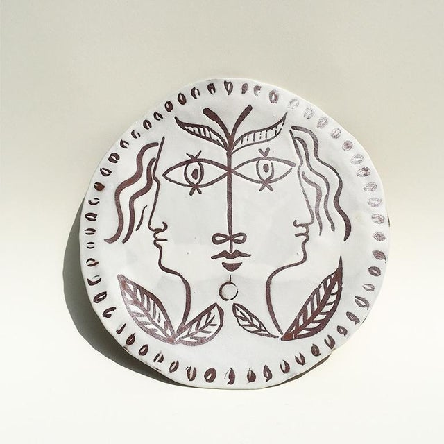 Jean Cocteau Decorative Ceramic Platter With Faces in Manner of Cocteau For Sale - Image 4 of 5