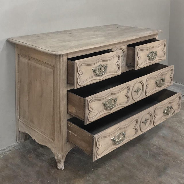 18th Century Country French Stripped Oak Provincial Commode For Sale In Dallas - Image 6 of 13