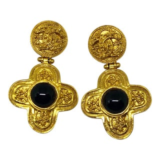 Chanel Gold Plated Maltese Cross Clip on Earrings With Black Cabochons For Sale