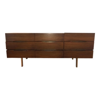 1960s Danish Modern American of Martinsville 9 Drawer Lowboy For Sale