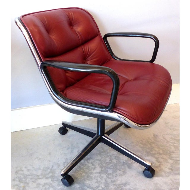 Mid-Century Modern Charles Pollack Modern Executive Swivel Chairs for Knoll- 3 Pairs Available For Sale - Image 3 of 12