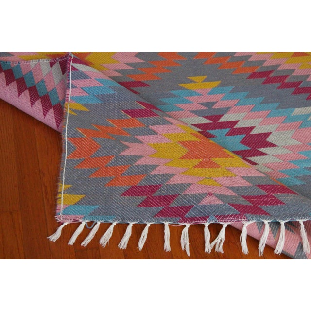 """Textile Flat Weave Turkish Pink Wool Kilim Rug - 5'3"""" X 7'6"""" For Sale - Image 7 of 8"""