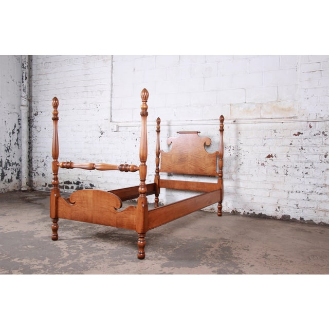 Mid 20th Century Vintage Tiger Maple Twin Pineapple Poster Beds-A Pair For Sale - Image 5 of 13