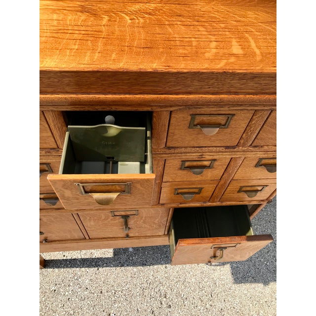 Antique Globe-Wernicke Arts and Crafts Era Tiger Oak Library Card Catalog Filing Cabinet For Sale - Image 9 of 13
