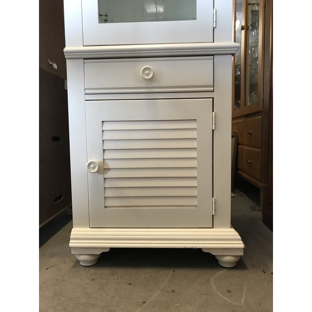 Contemporary Broyhill Furniture Beach Cottage Style Cabinet For Sale - Image 3 of 11