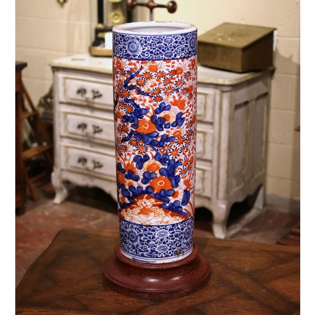 Ceramic Early 20th Century Japanese Hand Painted Imari Porcelain Umbrella Stand For Sale - Image 7 of 7