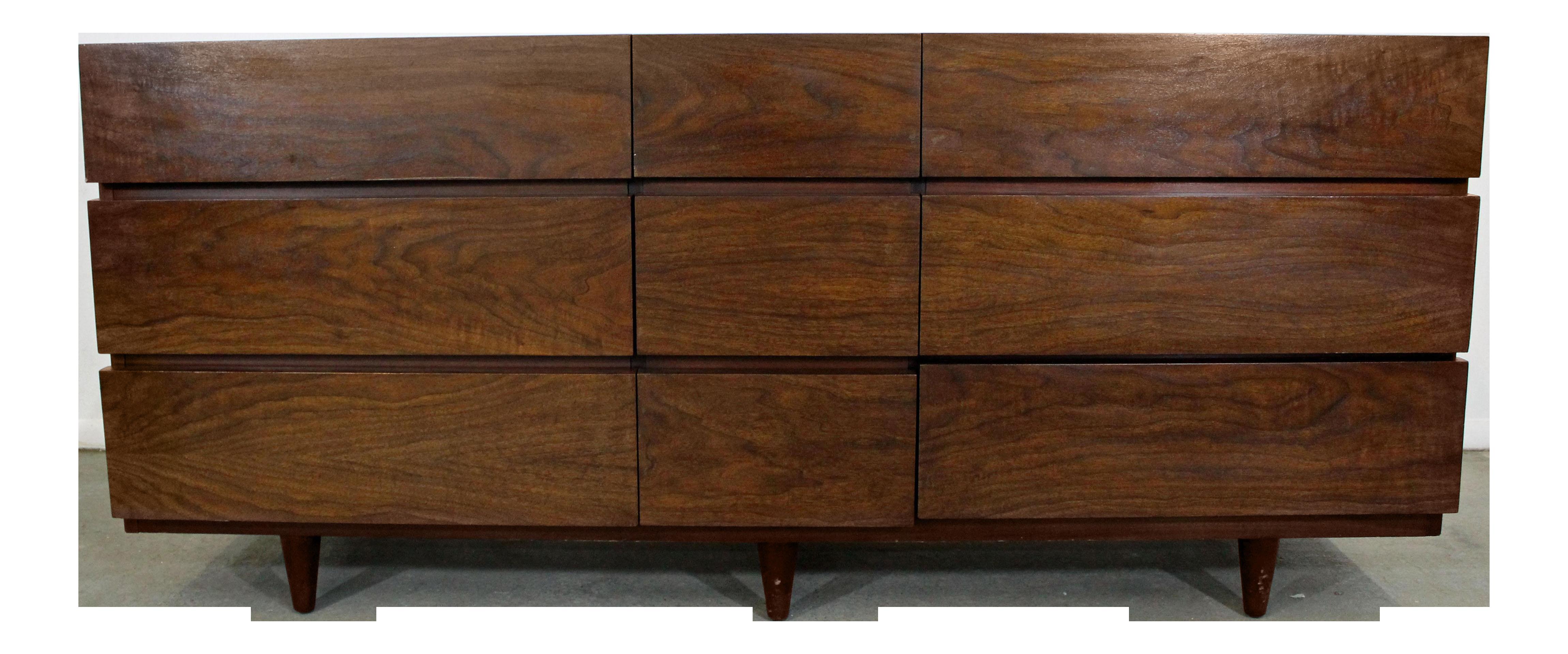 Mid Century Danish Modern American Of Martinsville Walnut Credenza/Dresser