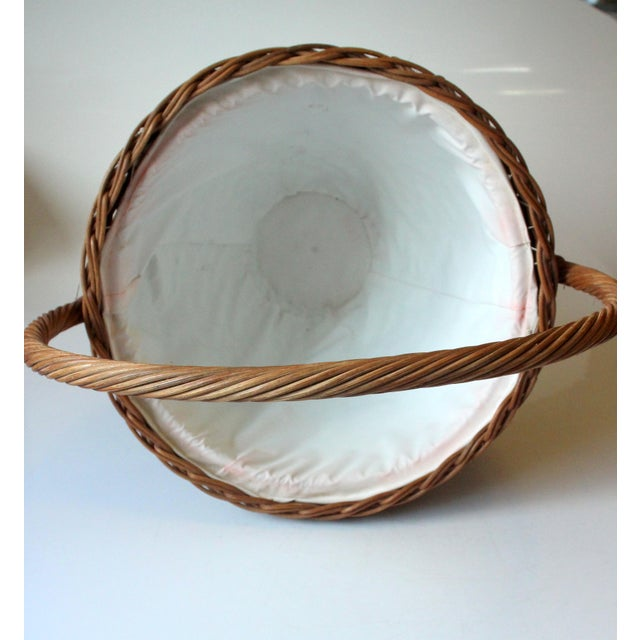 1970s Vintage Wicker Sewing Basket With Handle For Sale - Image 9 of 11