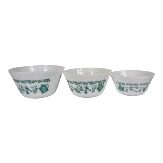 1960s Vintage Federal Glass Co. Turquoise Mixing Bowls - Set of 3 For Sale