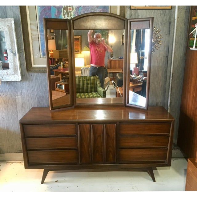 Brown 1960s Mid-Century Modern United Furniture Lowboy Dresser With Trifold Mirror - 2 Pieces For Sale - Image 8 of 8