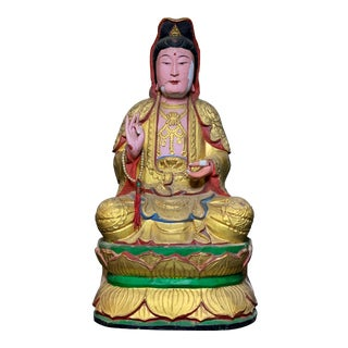 Early 20th Century Large Polychrome Parcel Gilt Sitting Guan Yin Buddha Statue For Sale
