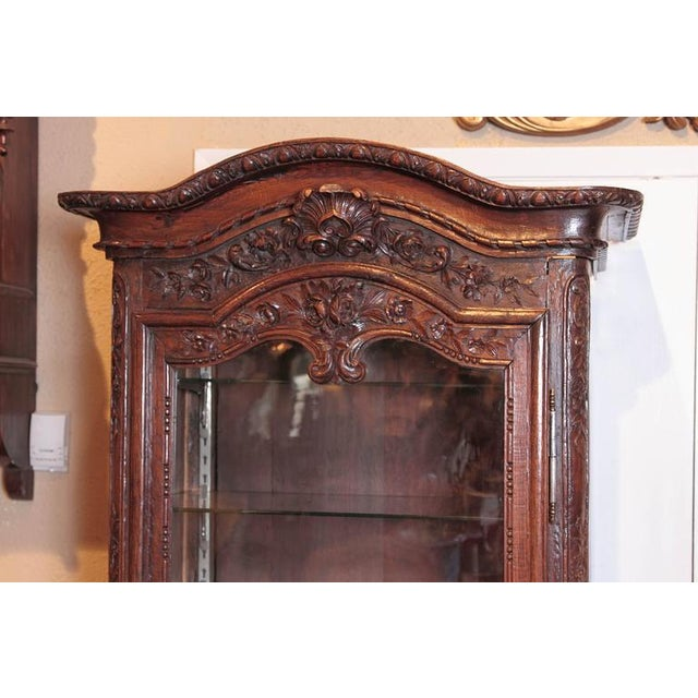 Fine 18th Century French Louis XV Carved Display Vitrine | DECASO