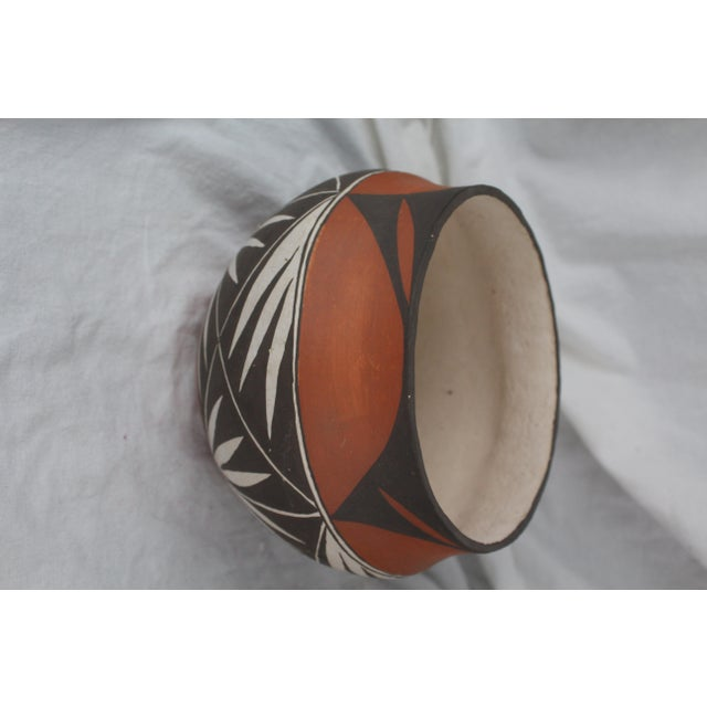 Vintage Mid-Century Acoma Pot For Sale - Image 4 of 7