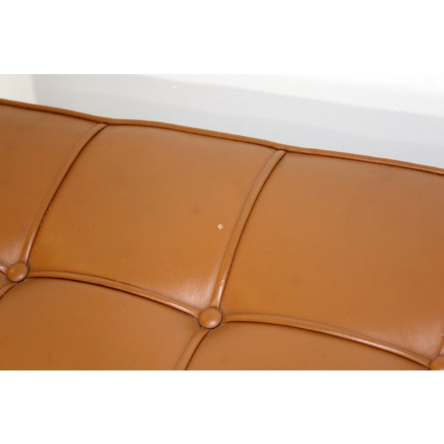 1970s Mid-Century Modern X-Long Tufted Leather Museum Bench For Sale - Image 9 of 13