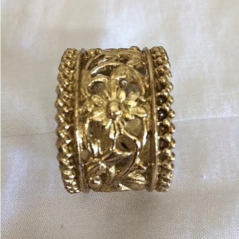 Vintage Brass Floral Filigree Napkin Rings - Set of 12 For Sale - Image 4 of 5