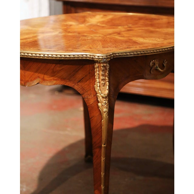 19th Century French Louis XV Oval Walnut Marquetry and Bronze Center Table For Sale - Image 9 of 13