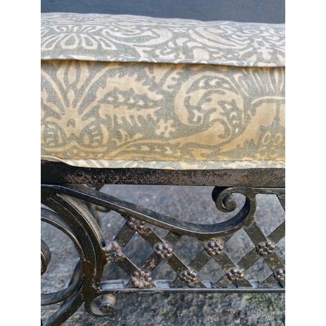 Transitional Pair Of 1900's French Iron Benches With Trelice Rosette Motif For Sale - Image 3 of 13