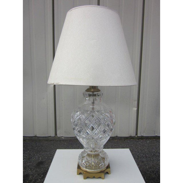 Hollywood Regency Pair of Cut Crystal and Brass Lamps For Sale - Image 3 of 8