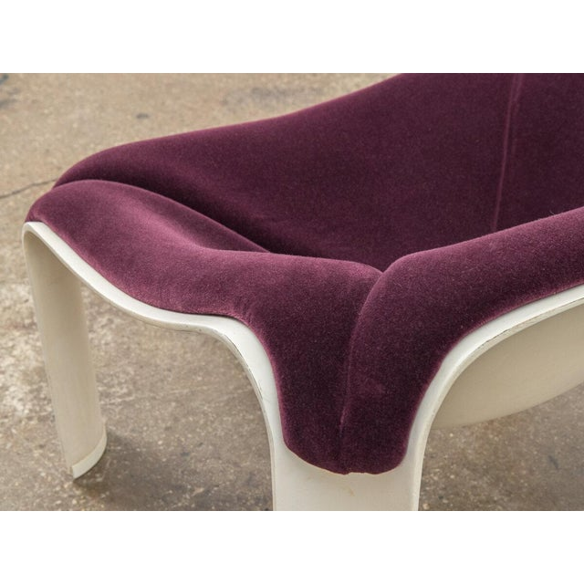 Pierre Paulin F300 Lounge Chair For Sale - Image 9 of 11