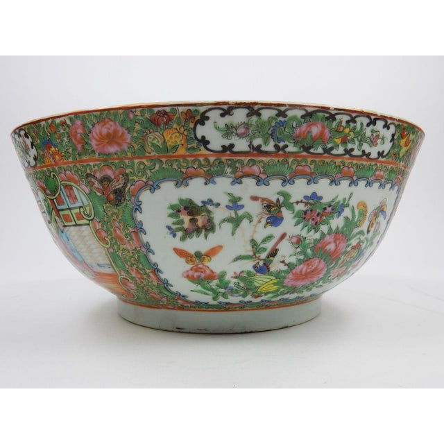 Antique Chinese Export Rose Medallion Serving Bowl For Sale - Image 6 of 11