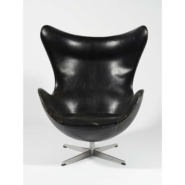 Fritz Hansen Rare 1st Generation Egg Chair by Arne Jacobsen For Sale - Image 4 of 9