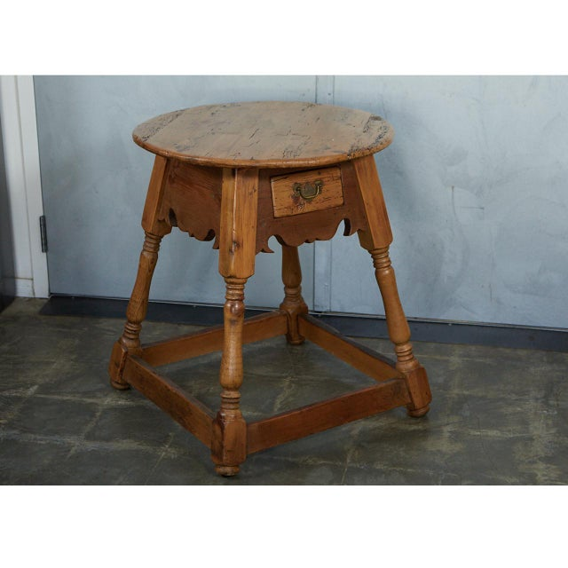English Traditional English Round Pine Table For Sale - Image 3 of 10
