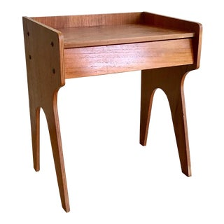 1960s Mid Century Modern Small Side Table Nightstand For Sale