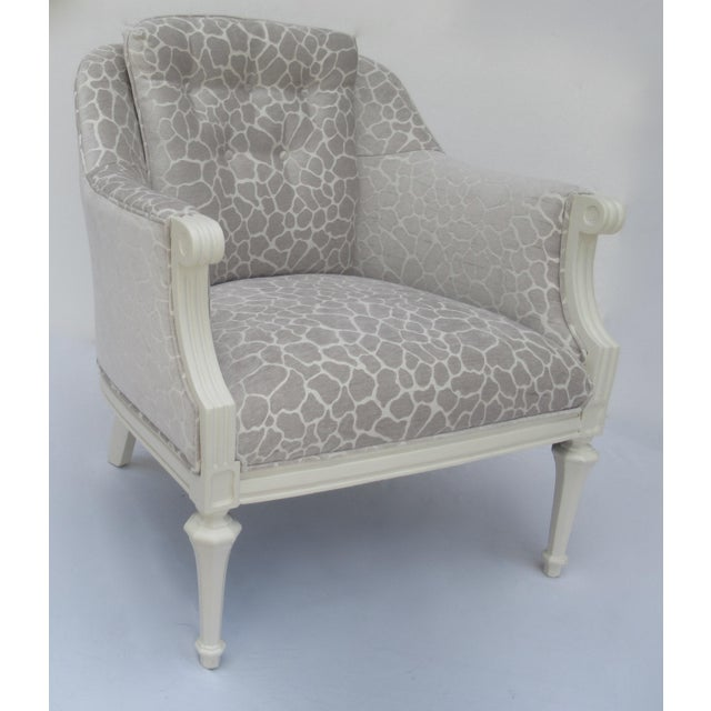 1950s Final Markdown -Dorothy Draper Hollywood Regency Club Chair With Giraffe Chenille For Sale - Image 5 of 13