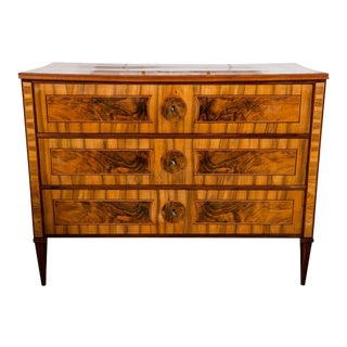 Fine Neoclassical Chest of Drawers