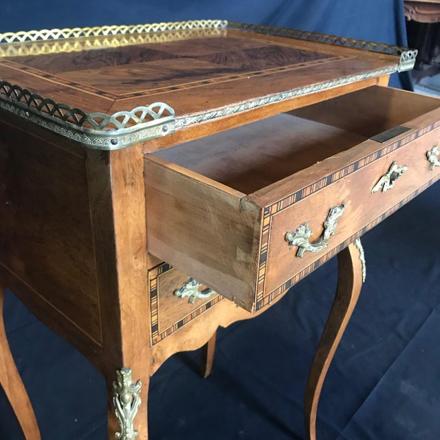 1940s Louis XV Style Inlaid Night Stand or Side Table With Gold Fretwork For Sale - Image 5 of 12