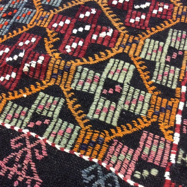 "1960's Turkish Kilim - 5'6""x8'6"" For Sale - Image 11 of 13"