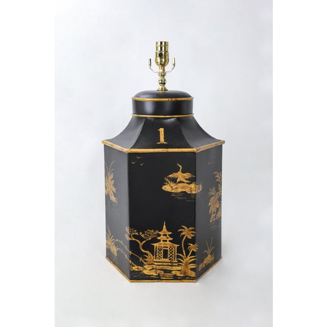 No. 1 Chinoiserie Handpainted English Export Hexagonal Tole Tea Caddy Lamp For Sale In New York - Image 6 of 6