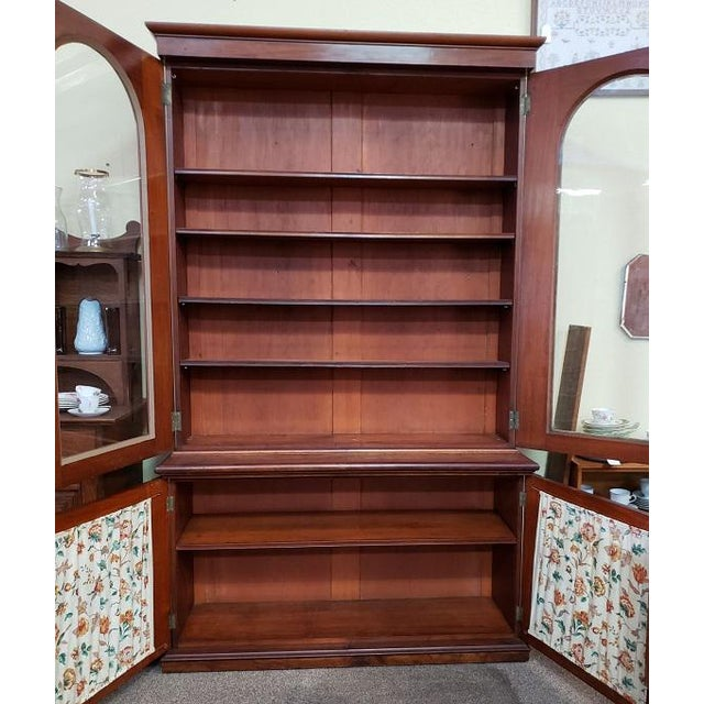 Victorian Mahogany & Glass Door Cabinet. For Sale - Image 4 of 8