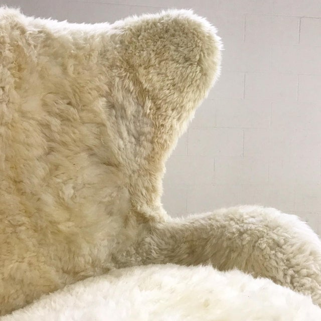 Animal Skin Arne Jacobsen for Fritz Hansen Egg Chair Restored in Brazilian Sheepskin and Leather For Sale - Image 7 of 10