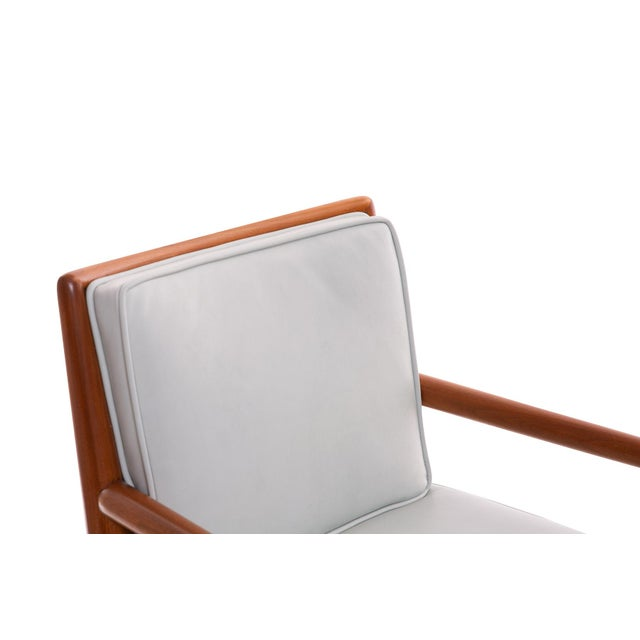 Widdicomb T.H. Robsjohn-Gibbings Widdicomb Walnut Leather Armchairs - A Pair For Sale - Image 4 of 7
