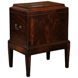 1820s English George III Mahogany Cellarette-on-Stand with Flat Top