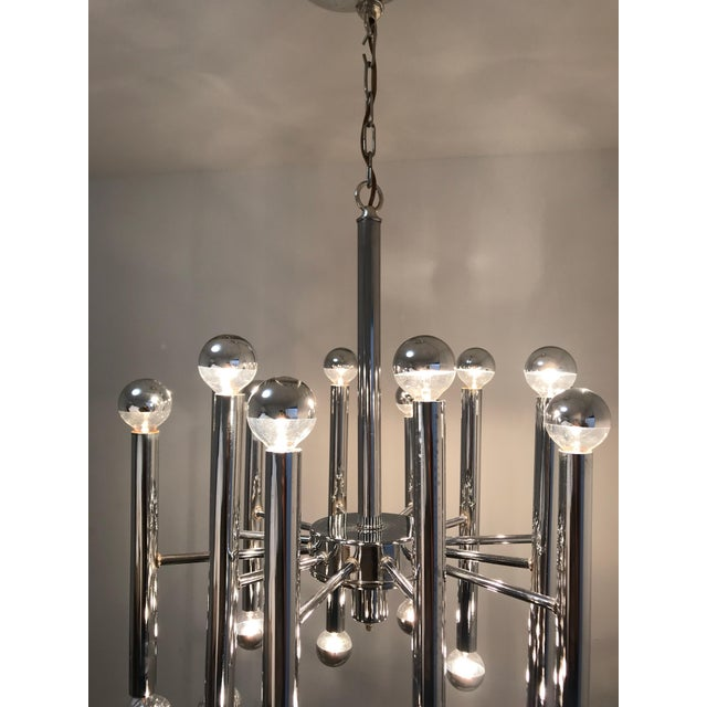 Mid 20th Century Sciolari Chrome 24-Light Chandelier For Sale - Image 5 of 7