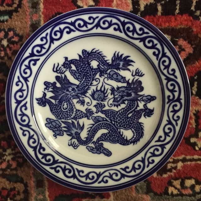 Vintage Chinoiserie Blue and White Asian Foo Dragon Decorative Plates - a Pair For Sale In Charlotte - Image 6 of 10