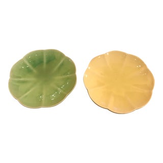 1950s Vintage Tag Flower Shaped Plates - A Pair For Sale