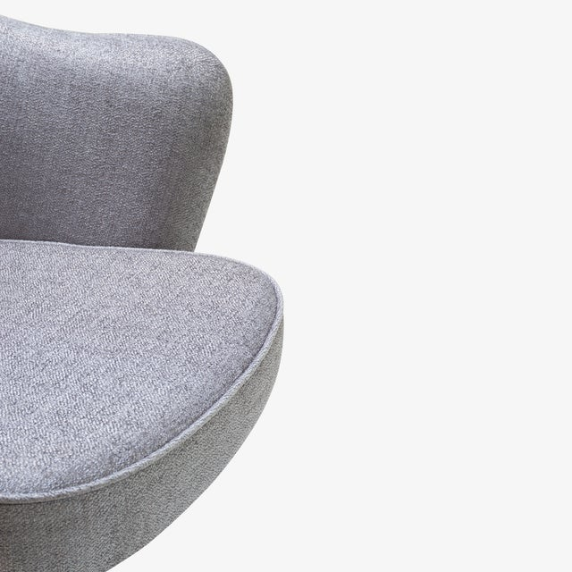 Metal Saarinen Executive Arm Chairs in Sterling Weave, Swivel Base - Set of 6 For Sale - Image 7 of 9