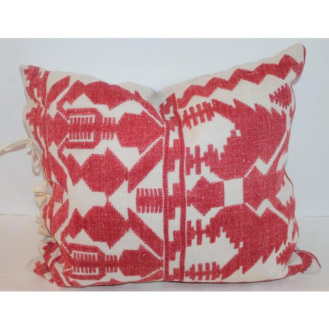 Mid 20th Century Pair of Embroidered Linen Tribal Pillows For Sale - Image 5 of 7