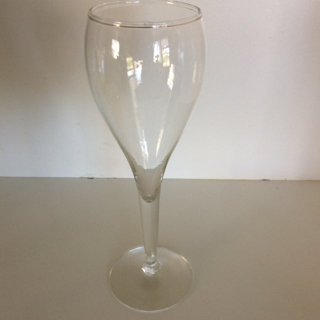 1960s Crisa Hand Blown Crystal Tulip Style Champagne Glasses - Set of 8 For Sale - Image 5 of 13