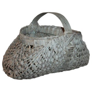 19th Century Buttocks Basket From New England For Sale