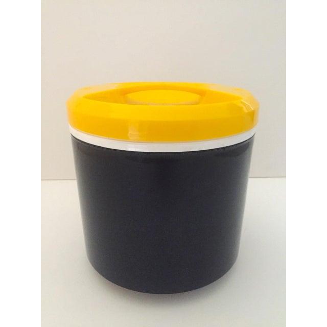Vintage Italian Blue & Yellow Plastic Ice Bucket - Image 8 of 9