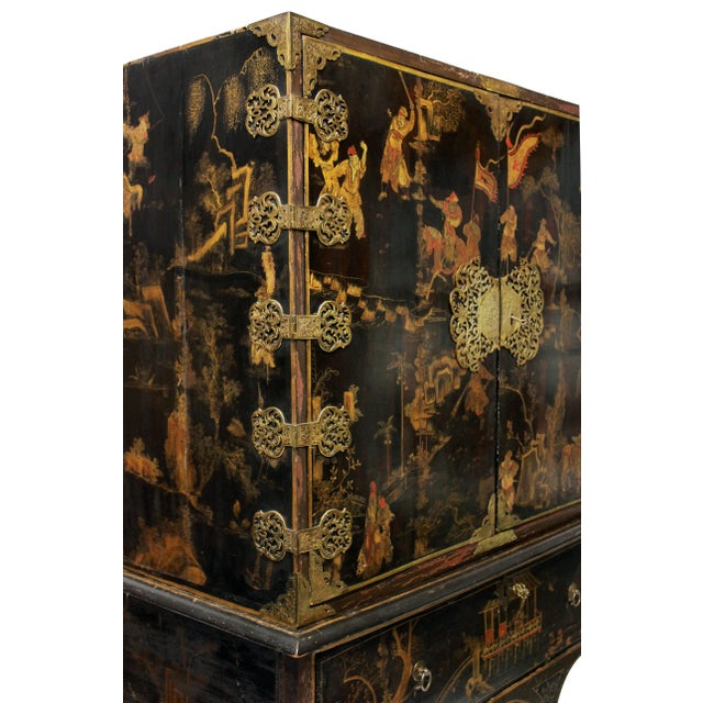 A William & Marry Black Gilt Japanned Cabinet on Stand For Sale - Image 4 of 5