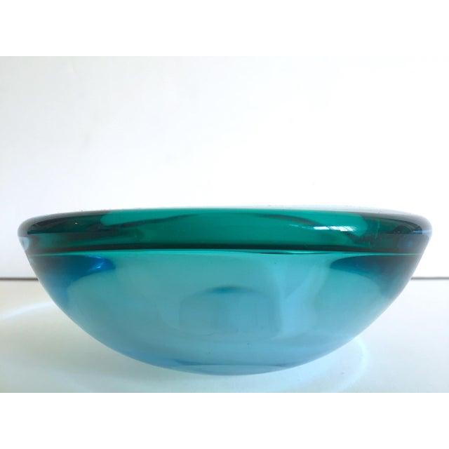 Vintage Mid Century Modern Rare Flavio Poli Seguso Vetri D' Arte Murano Art Glass Sommerso Bowl Ashtray For Sale - Image 11 of 13
