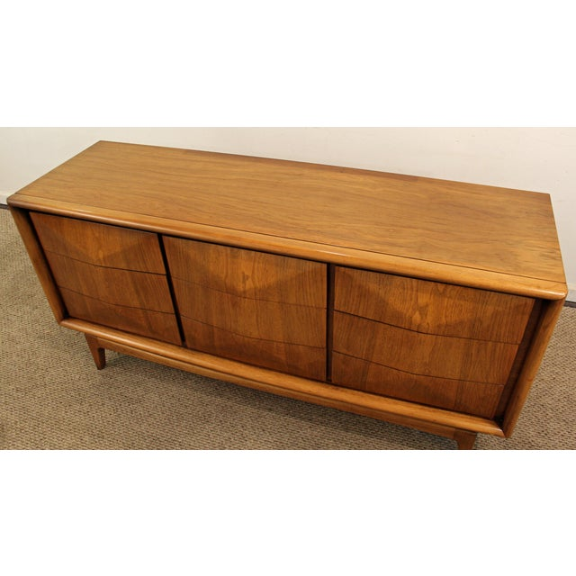 United Furniture Corporation Mid-Century Danish Modern 3D Diamond Front Walnut Credenza For Sale - Image 4 of 11