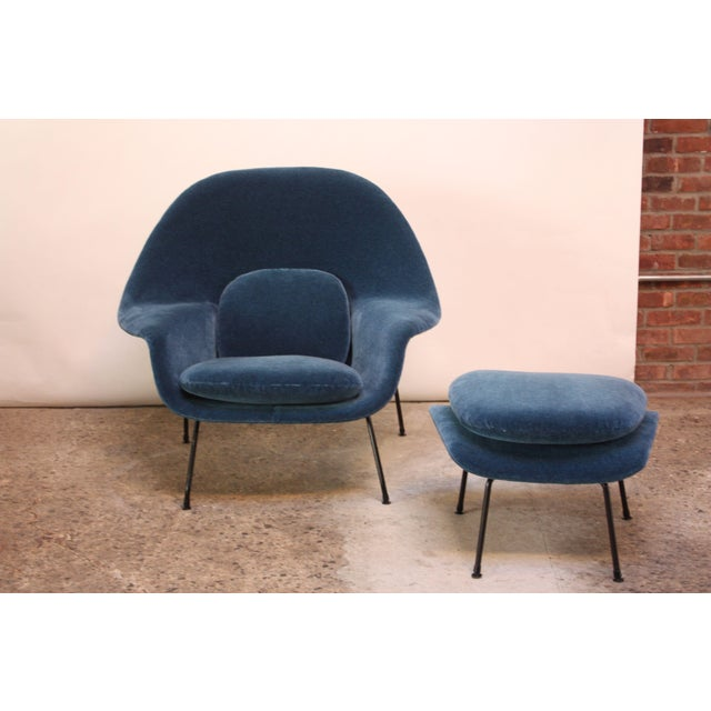 Mid-Century Modern 1950s Early Production Eero Saarinen for Knoll Womb Chair and Ottoman - a Pair For Sale - Image 3 of 13