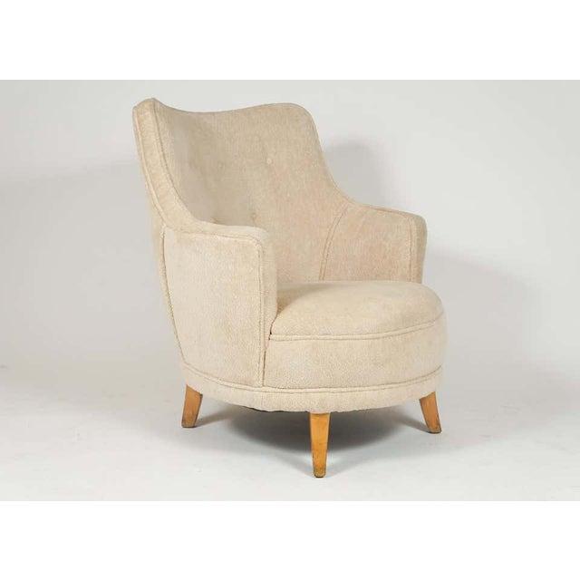 Ernst Schwadron 1940s Barrel Back Moderne Freshly Upholstered Lounge Chairs After Gilbert Rohde, Pair For Sale - Image 4 of 12